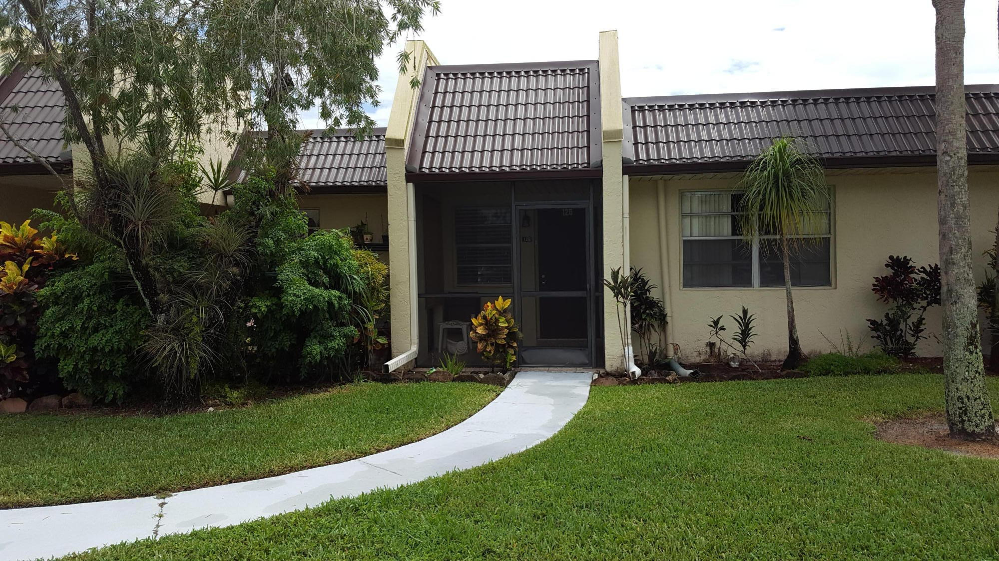 126 Lake Rebecca Drive West Palm Beach, FL 33411