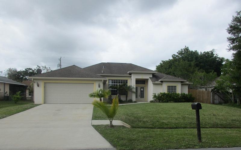 3326 SW Frankford Street, Port Saint Lucie, Florida