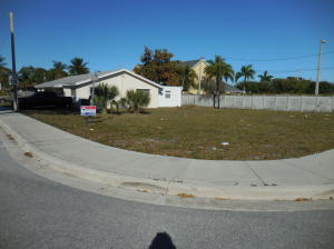 Lt 7 Lewis Drive , Riviera Beach FL 33404 is listed for sale as MLS Listing RX-10519053 4 photos