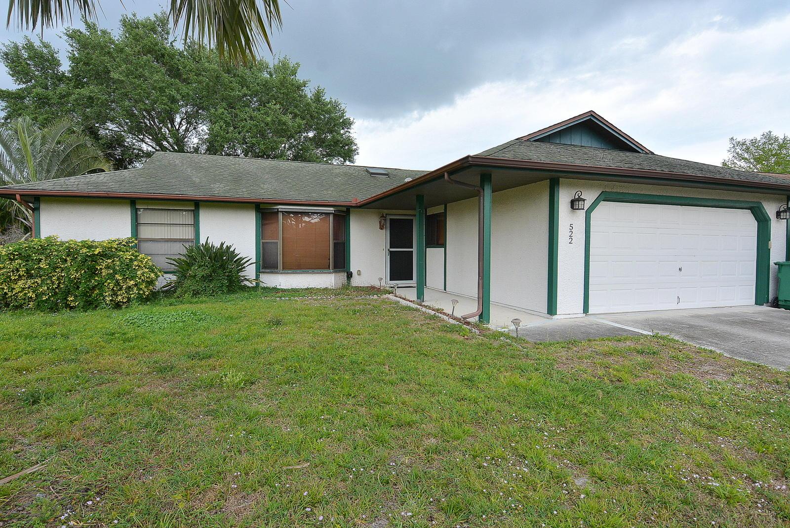 522 NW Turton Terrace - Port St Lucie, Florida