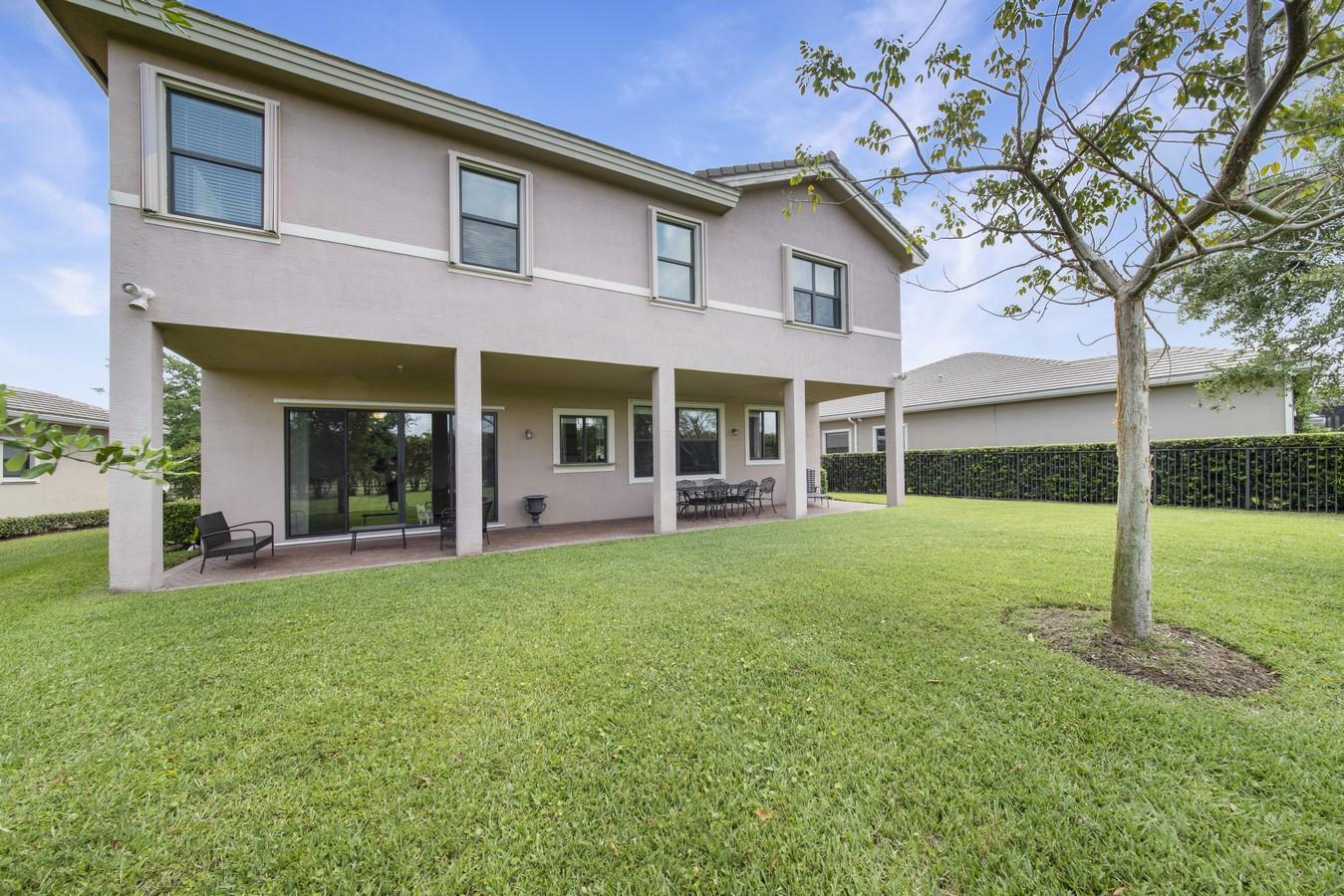 EQUUS BOYNTON BEACH REAL ESTATE