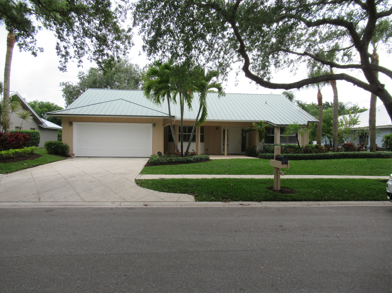 Photo of 18133 Lake Bend Drive, Jupiter, FL 33458