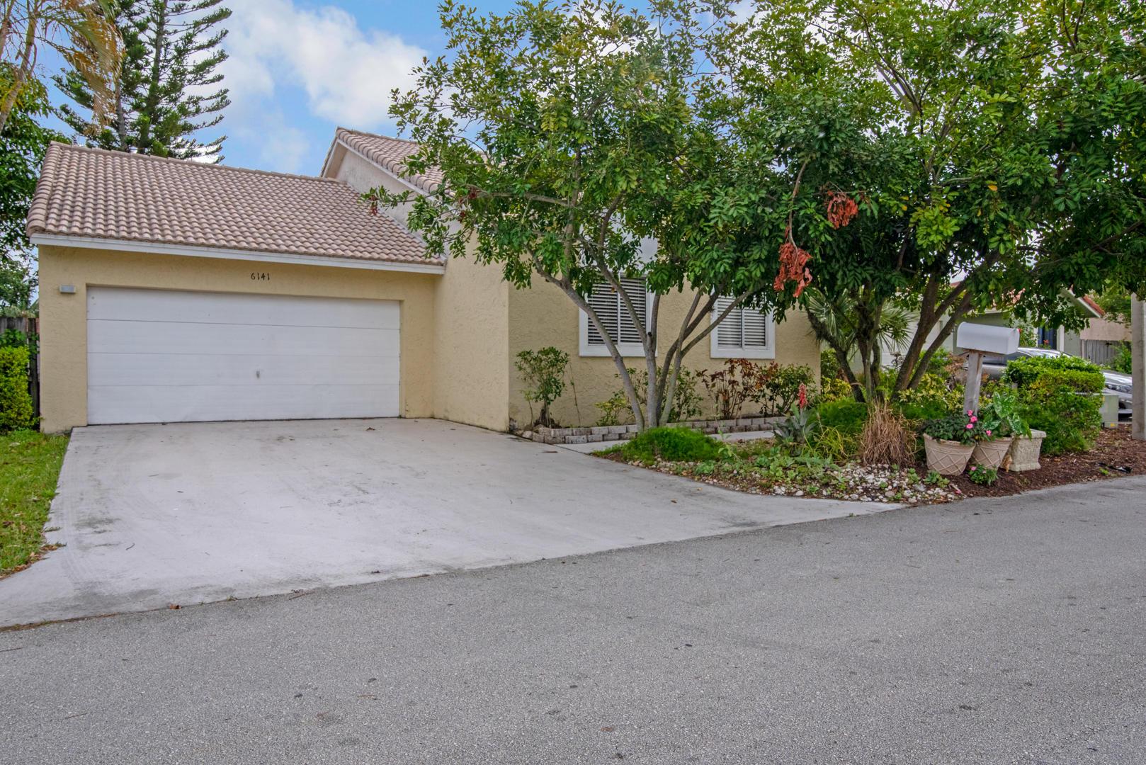 6141 Country Fair Circle Boynton Beach, FL 33437 photo 2