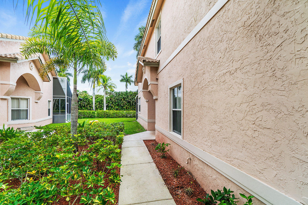 10617 Pelican Drive Wellington, FL 33414 photo 4