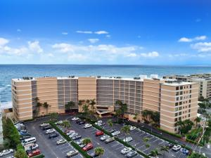 Property for sale at 3590 S Ocean Boulevard Unit: 207, South Palm Beach,  Florida 33480