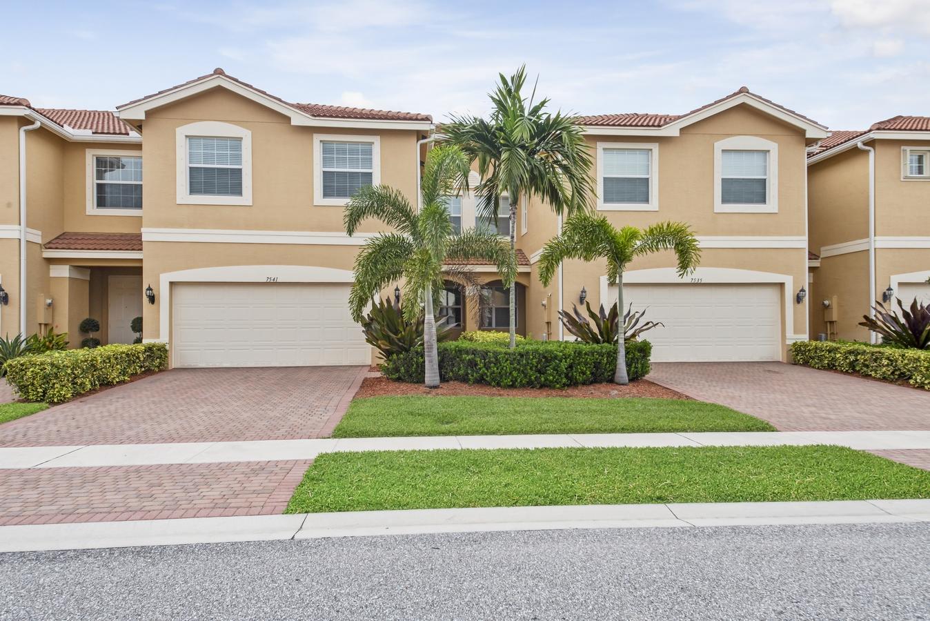 7541 Spatterdock Drive Boynton Beach, FL 33437