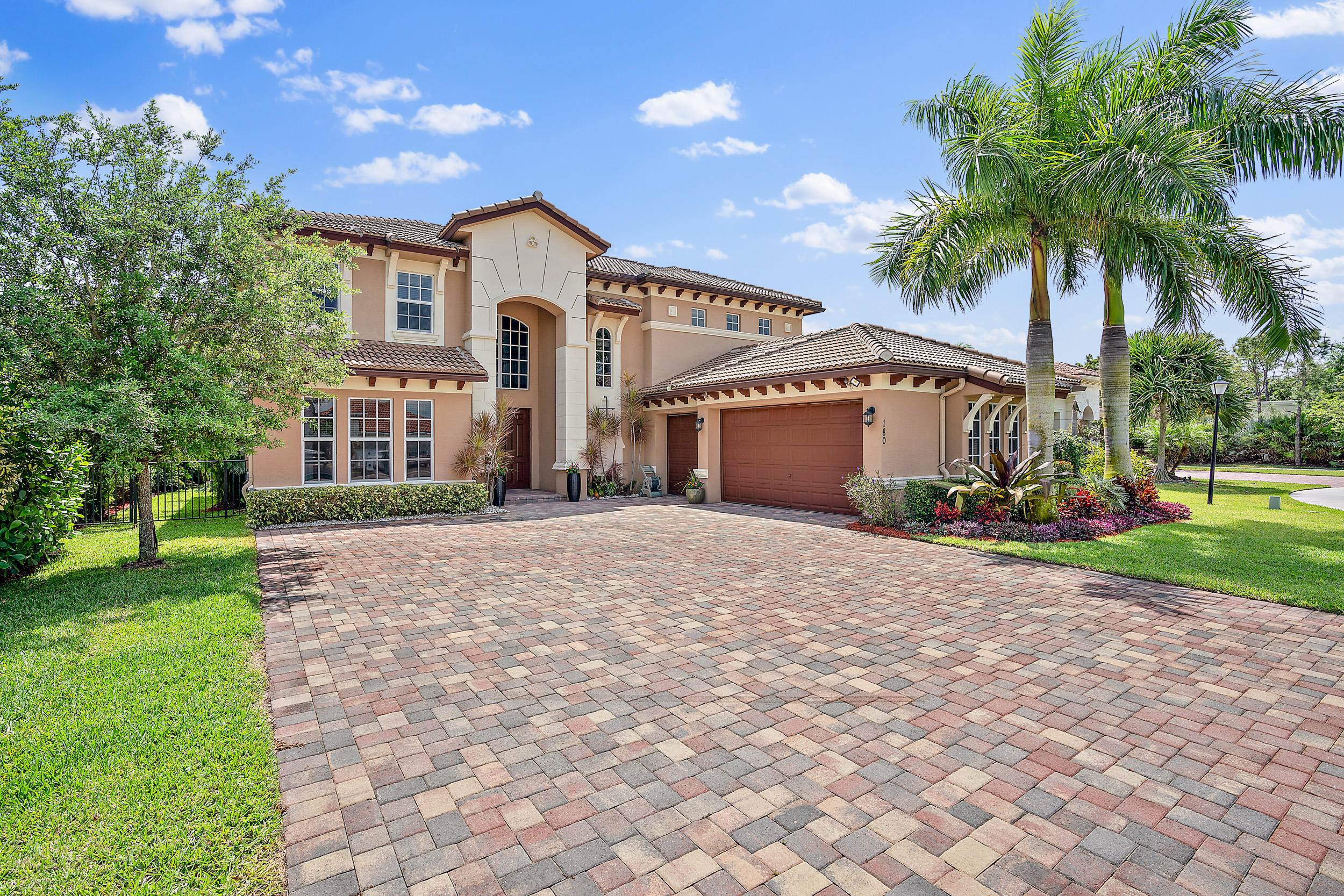 Photo of 180 Manor Circle, Jupiter, FL 33458