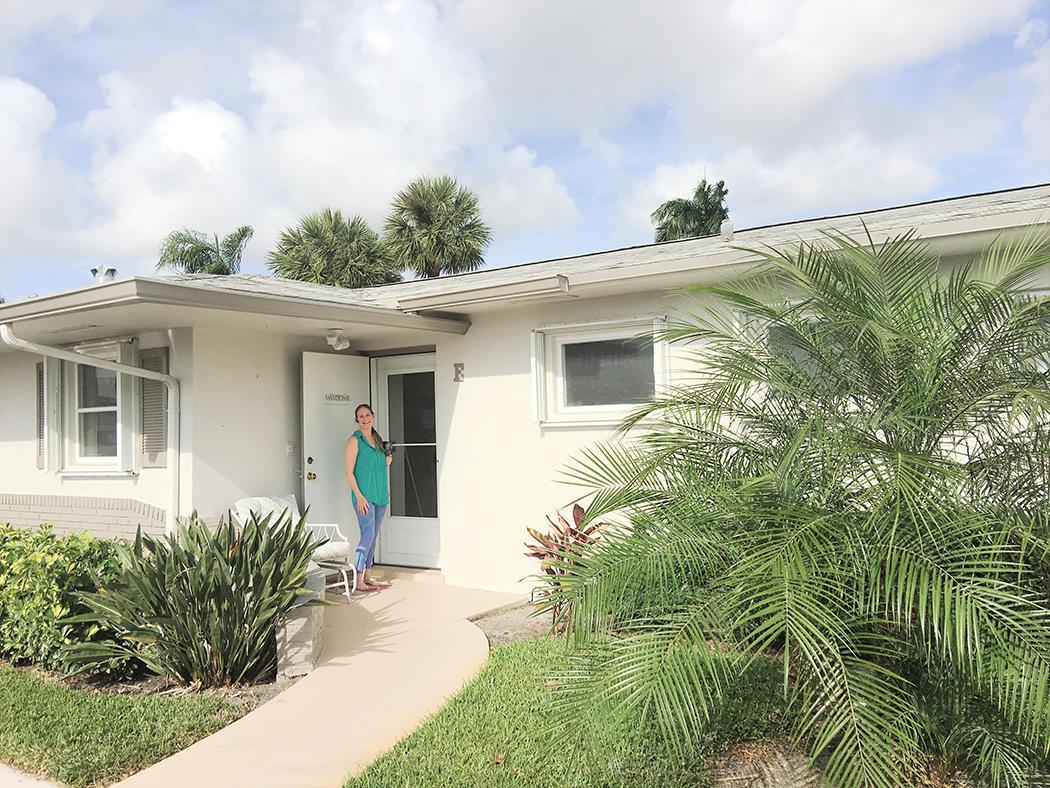 2805 Crosley Drive E West Palm Beach, FL 33415