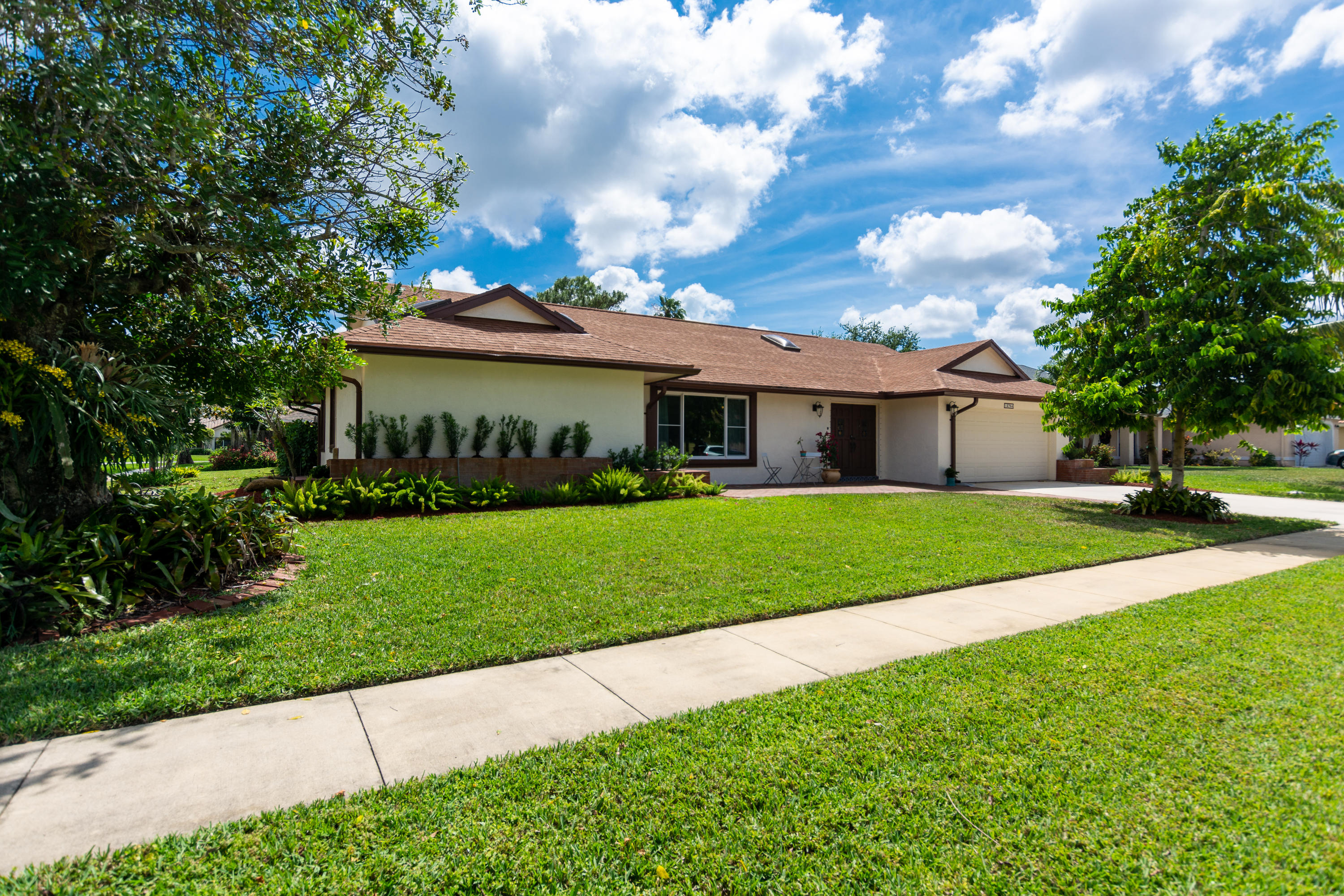 13764 Barberry Drive Wellington, FL 33414 small photo 1