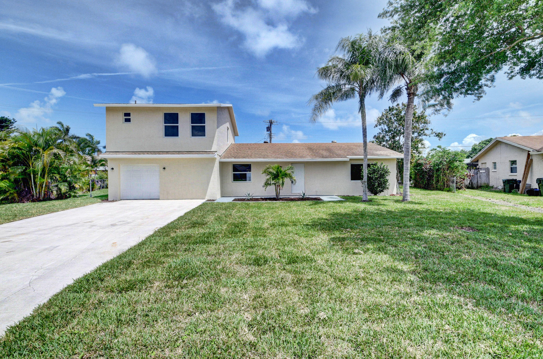 667 Eagle Circle  Delray Beach, FL 33444