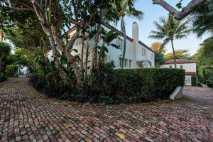 125  Via Del Lago  , Palm Beach FL 33480 is listed for sale as MLS Listing RX-10520573 photo #86