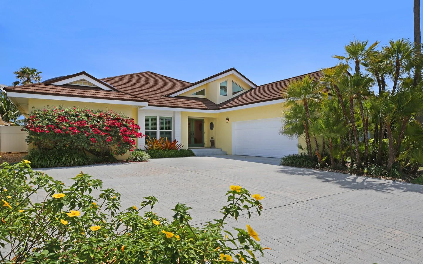Home for sale in SAILFISH POINT PLAT 11 Stuart Florida