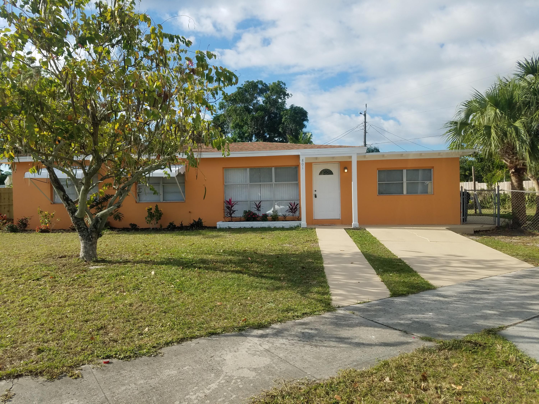 801 Wright Drive Lake Worth, FL 33461