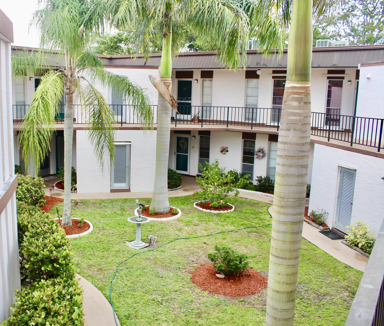 3 Greenway Village, 207 - Royal Palm Beach, Florida