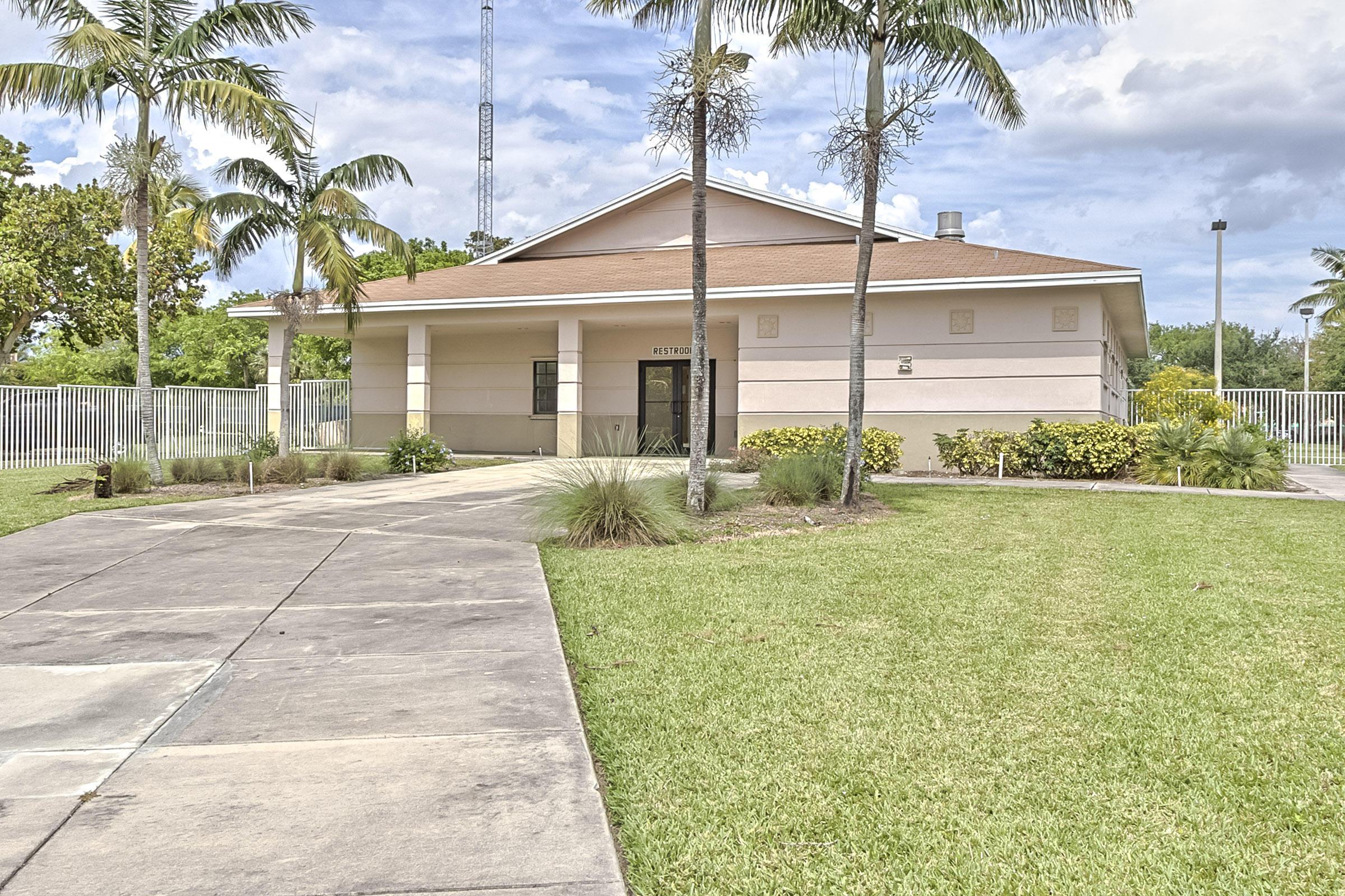 755 Dotterel Rd 1212, Delray Beach, FL 33444