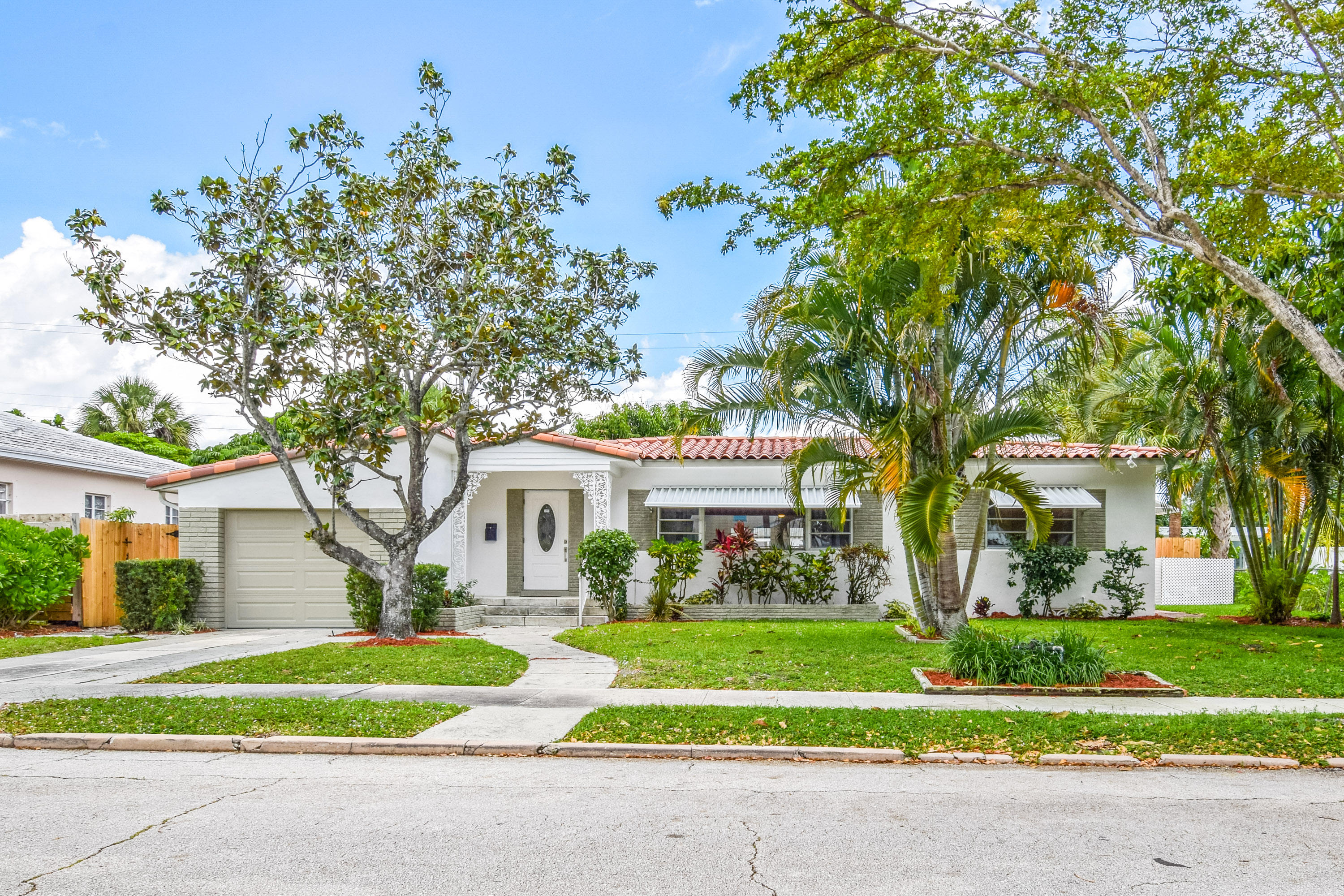 Home for sale in North Shore Terrace 3 West Palm Beach Florida