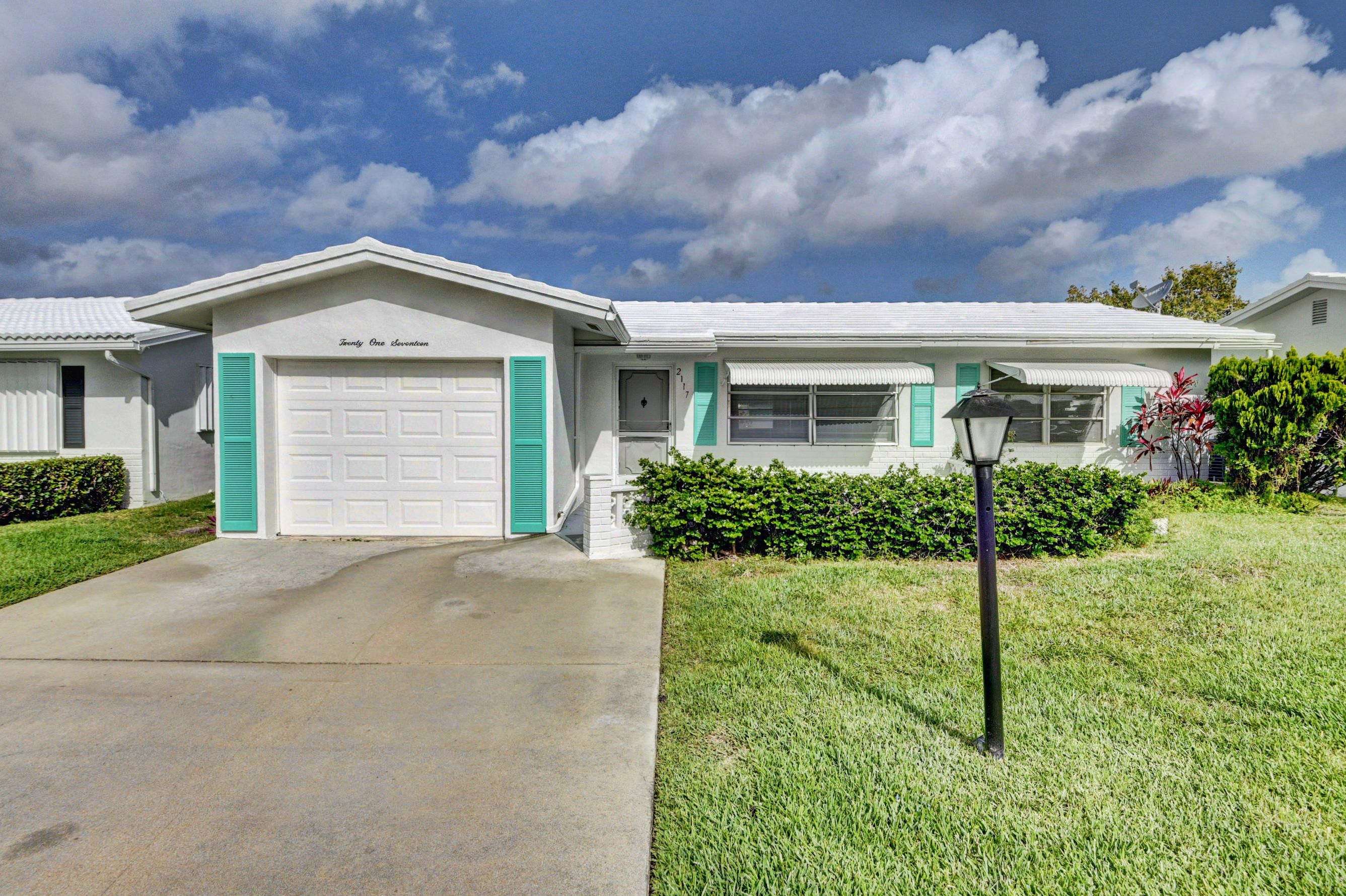 2117 SW Lake Circle Drive Boynton Beach 33426 - photo