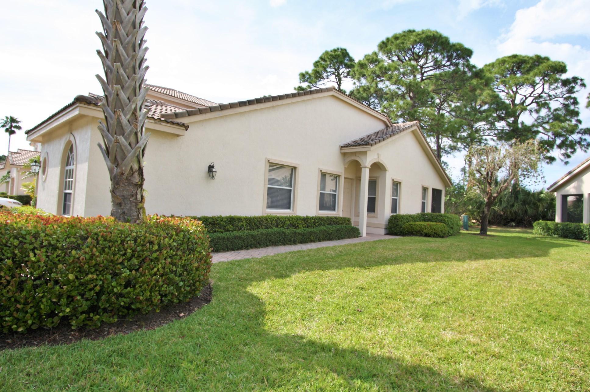 8111  Mulligan Circle, Port Saint Lucie, Florida