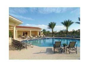 Palm Beach Grande Condo