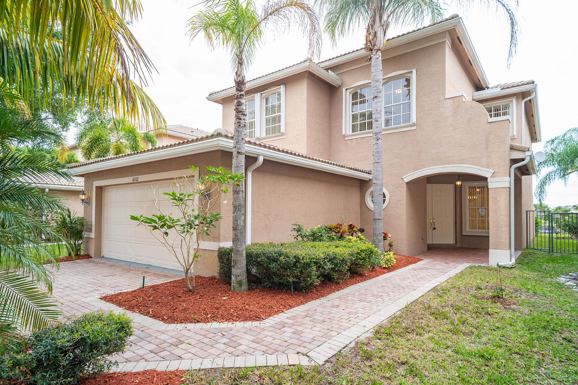 8932 Briarwood Meadow Lane Boynton Beach, FL 33473 small photo 1