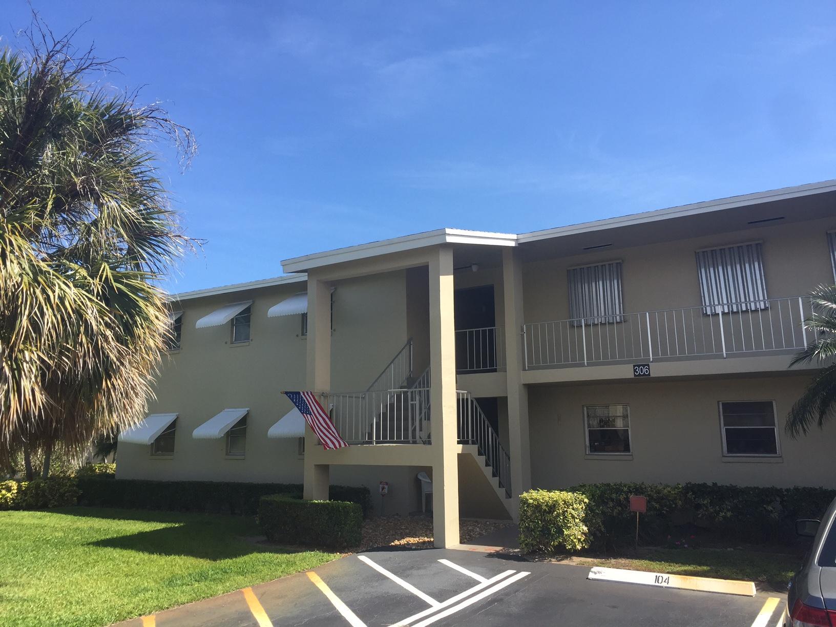 306 S Circle Drive 203 Boynton Beach, FL 33435