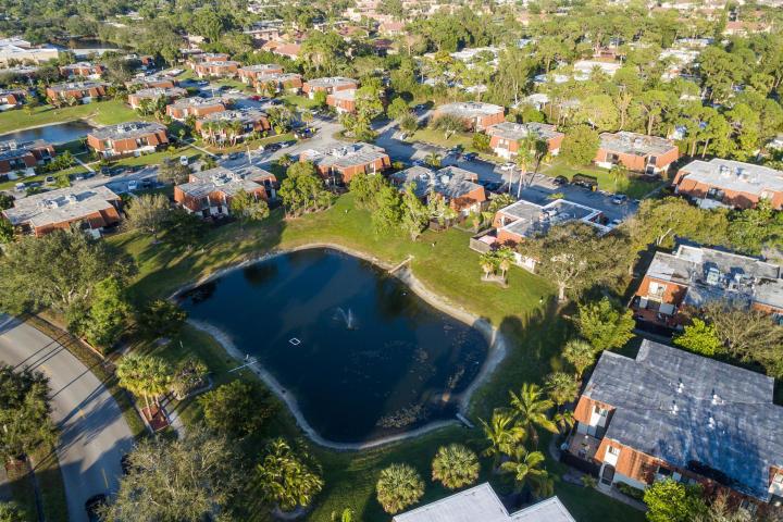 2201 White Pine Circle C Greenacres, FL 33415 photo 27