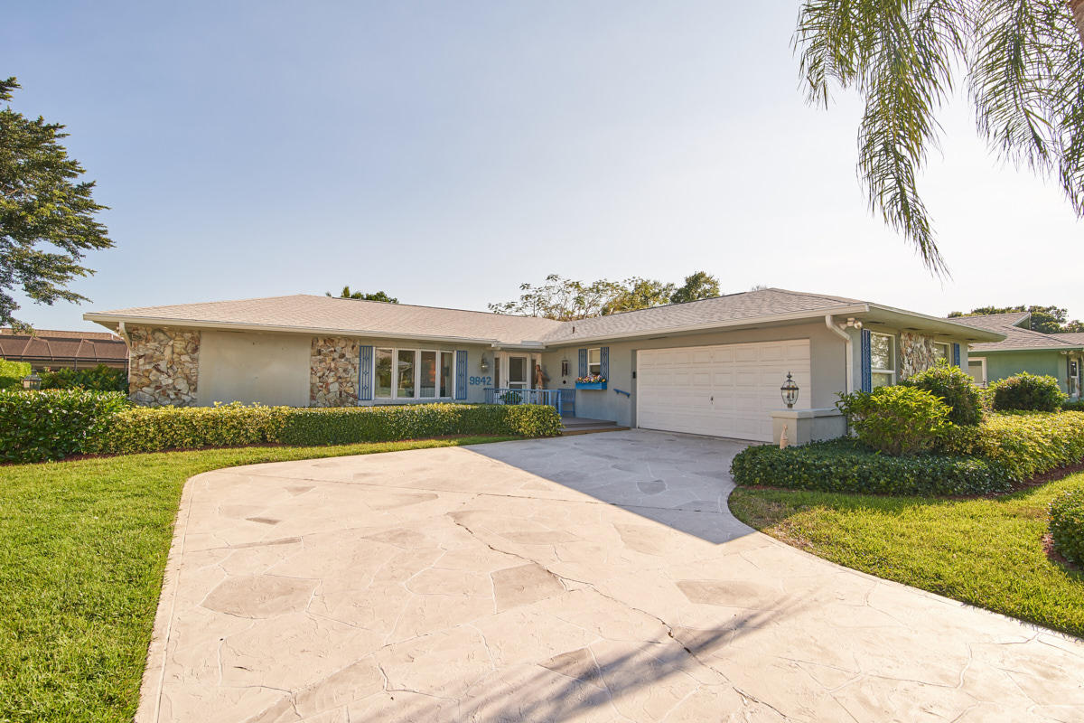 New Home for sale at 9842 Little Club Way in Tequesta