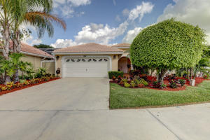 208 Woodsmuir Court , Palm Beach Gardens FL 33418 is listed for sale as MLS Listing RX-10519461 34 photos