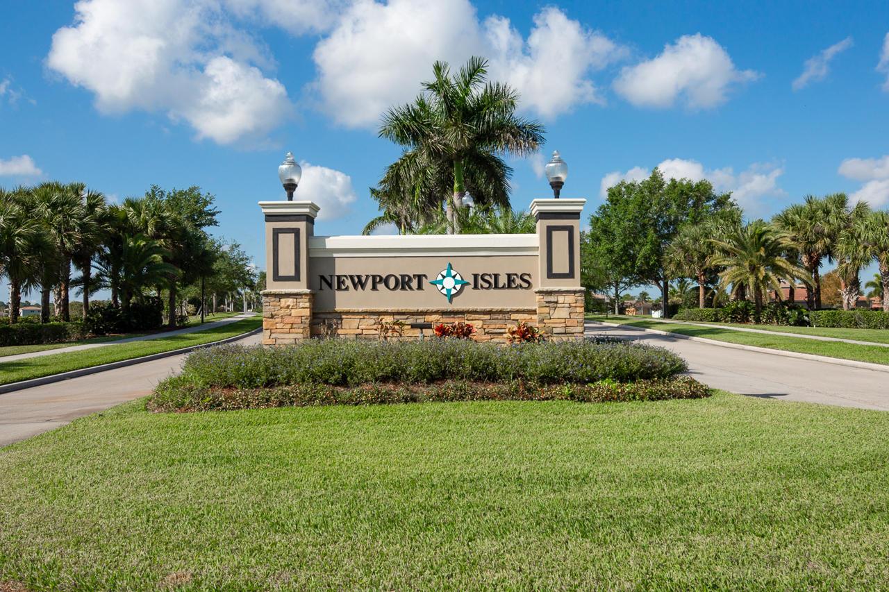 2221 SW Marshfield Court, Port Saint Lucie, Florida