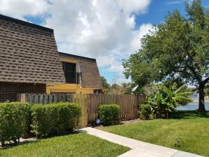 Property for sale at 2929 SW 22nd Circle Unit: 32b, Delray Beach,  Florida 33445