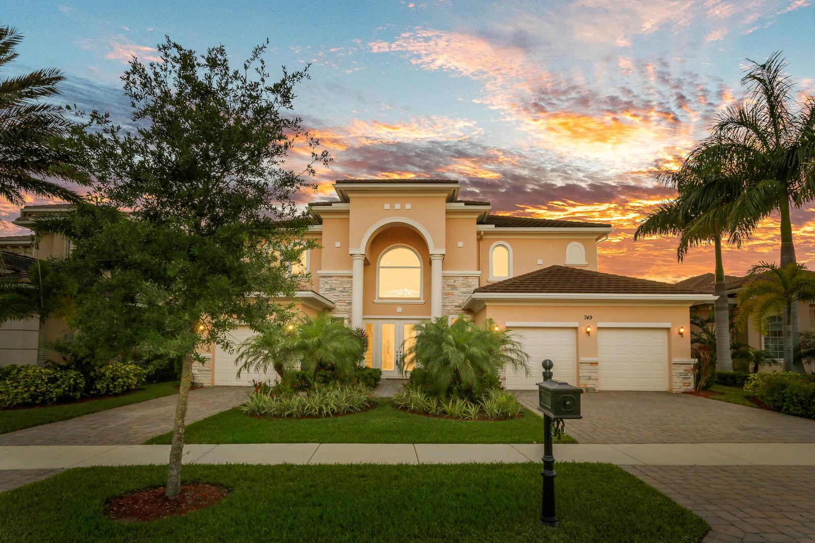 749 Edgebrook Lane Wellington, FL 33411