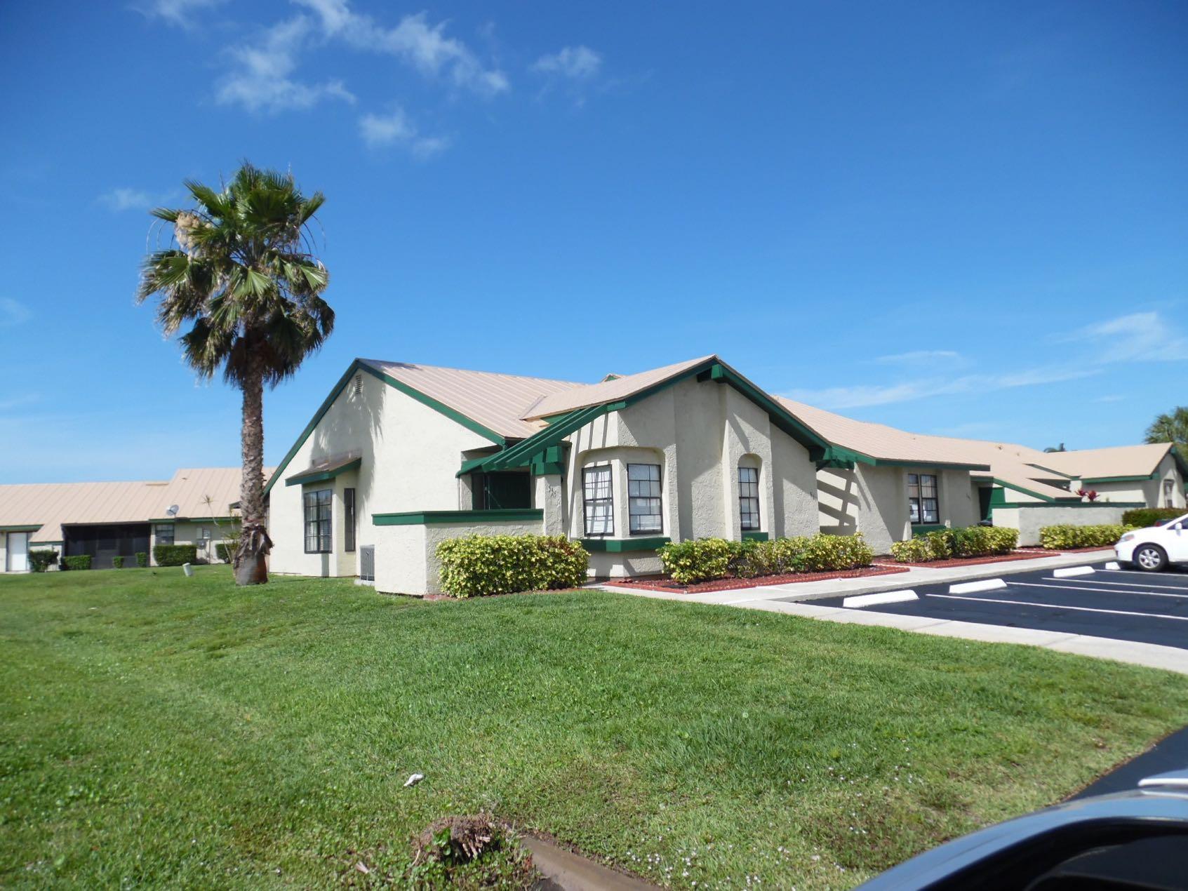 555 SW Sara Boulevard, Port Saint Lucie, Florida