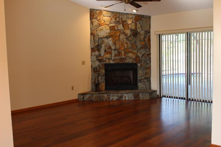 790 Woodlands Drive Fort Pierce, FL 34952 photo 2