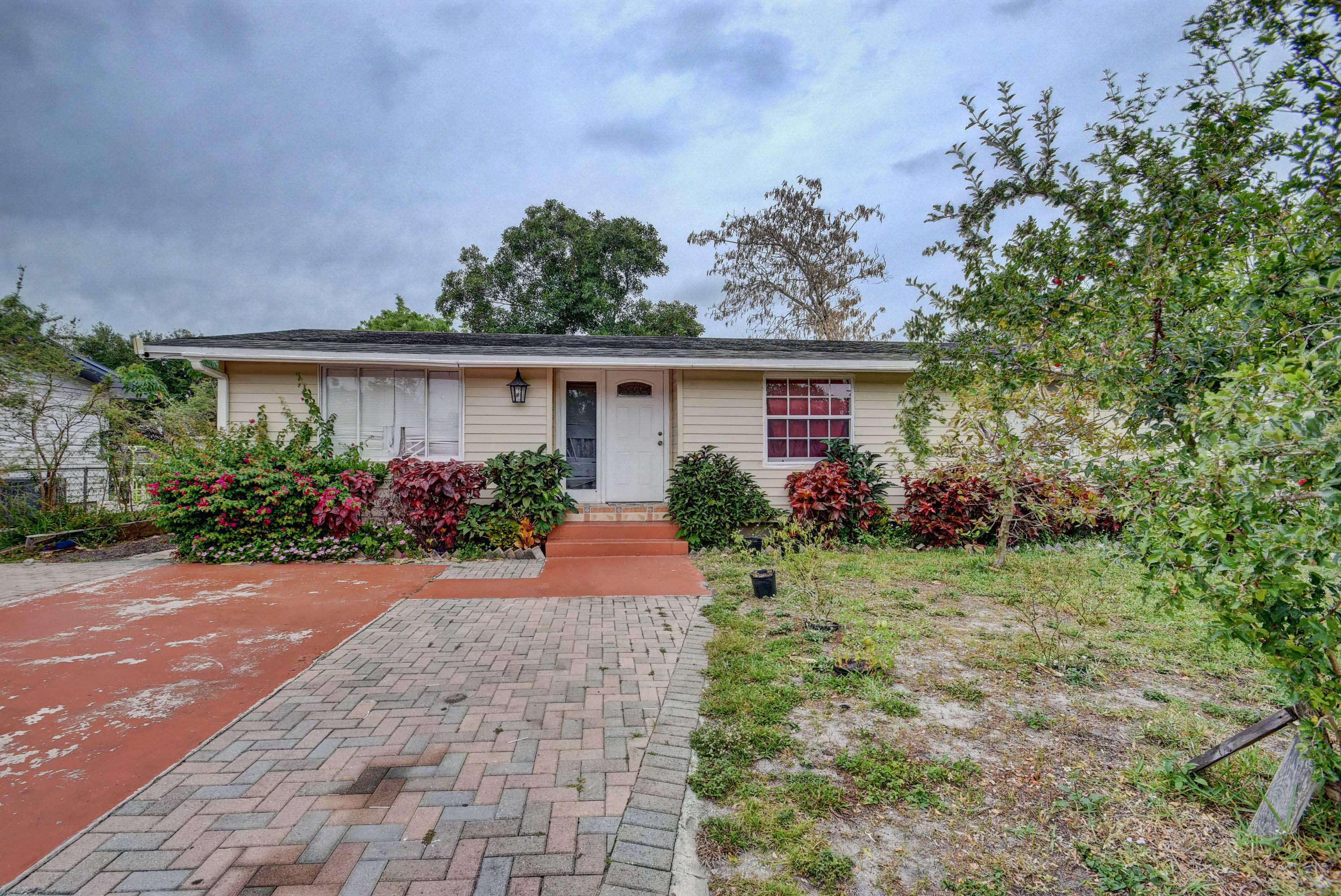Home for sale in SEMINOLE MANOR 2 Lake Worth Florida