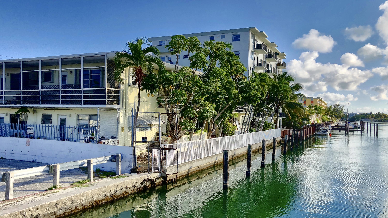 8040 Tatum Waterway Drive 12a Miami Beach, FL 33141 photo 5