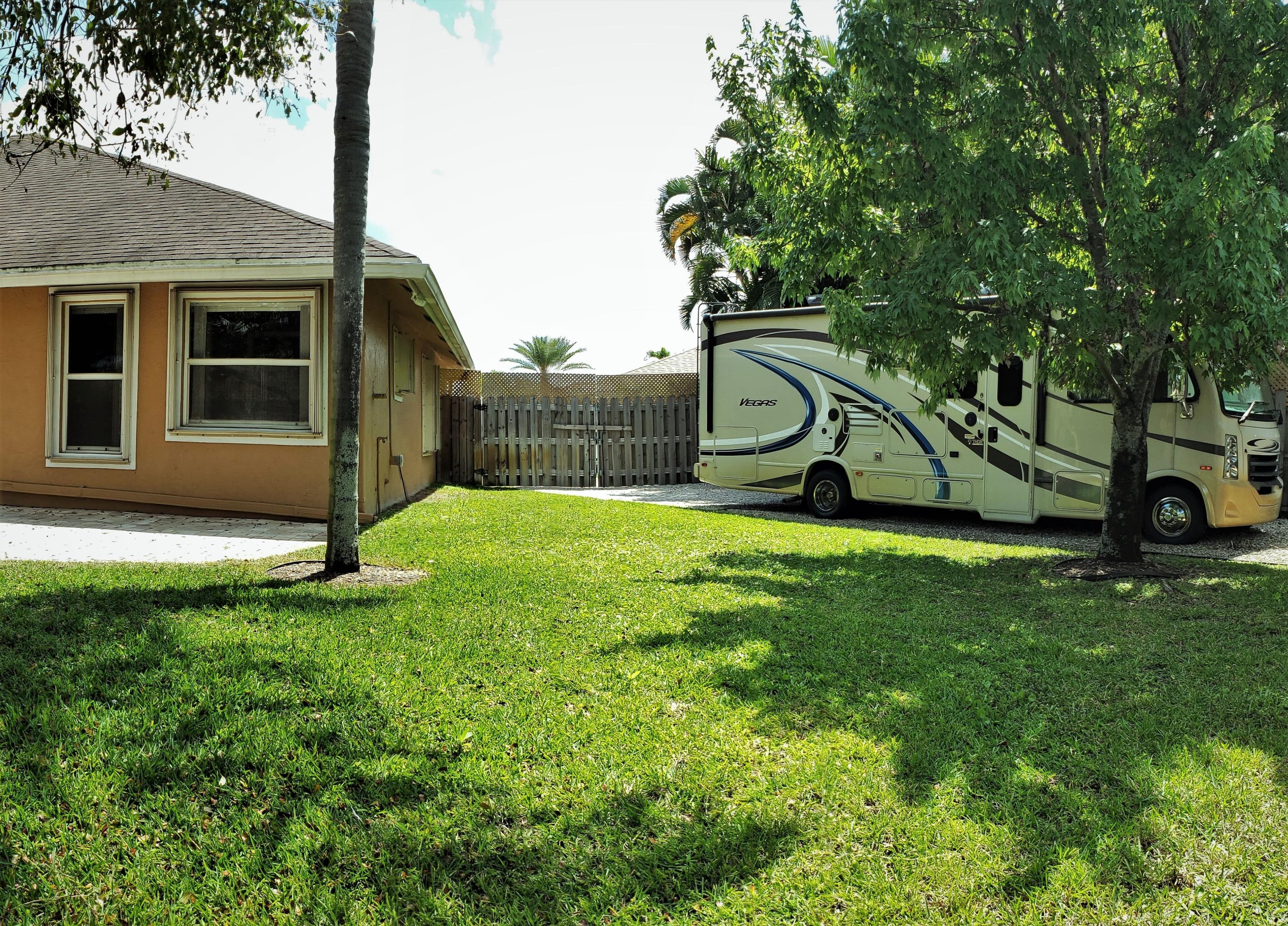 1955 Lindsey Court Wellington, FL 33414 small photo 34