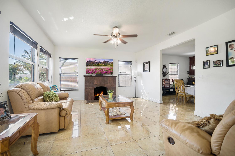 411 Barnett Street West Palm Beach, FL 33405 photo 5