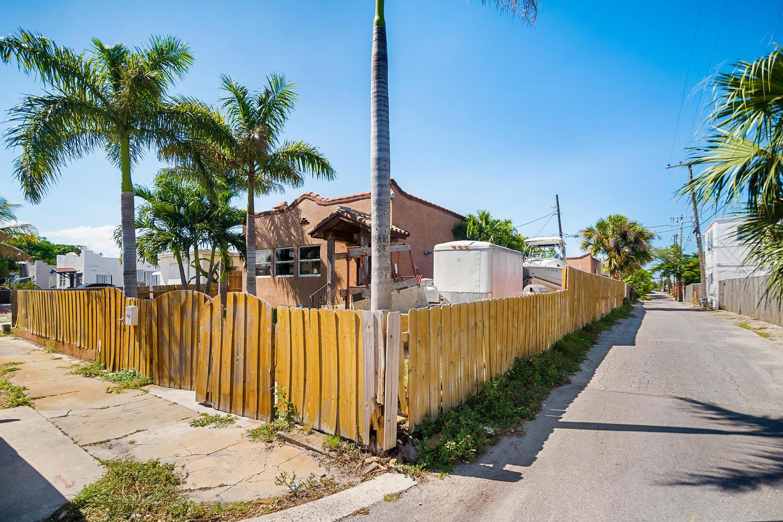 411 Barnett Street West Palm Beach, FL 33405 photo 19