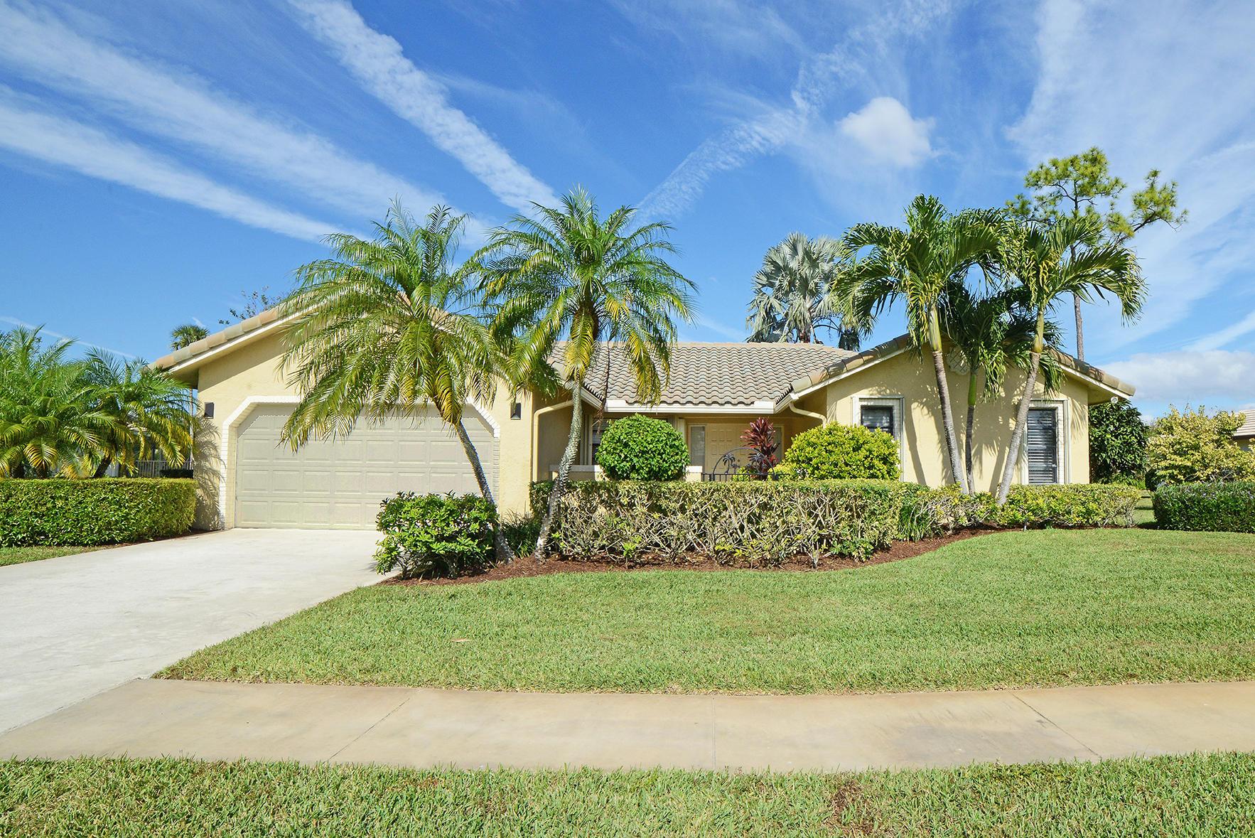 9053 Old Pine Road Boca Raton, FL 33428 photo 2