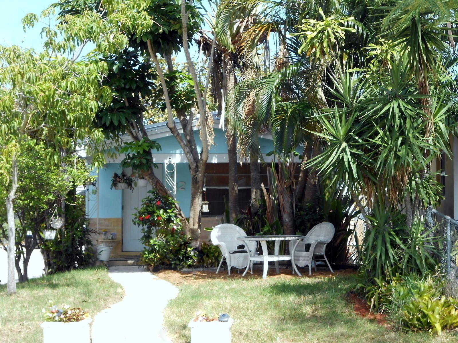 432 N E Street Lake Worth, FL 33460 photo 1