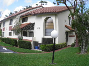 PALM CHASE LAKES CONDO home 10215 N Circle Lake Drive Boynton Beach FL 33437