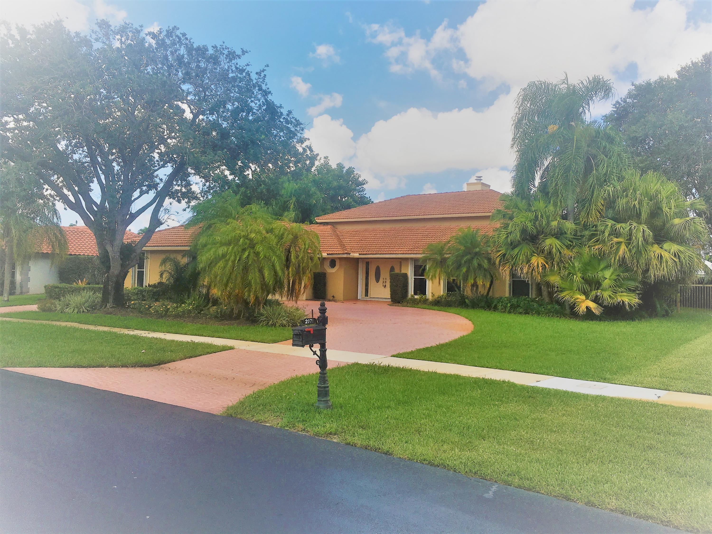 2071 Greenview Cove Drive  Wellington FL 33414