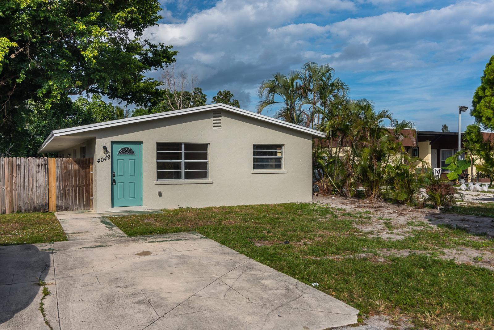 4049 Gardenia Avenue Lake Worth, FL 33461