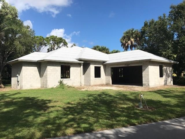 Photo of 810 Carolina Circle SW, Vero Beach, FL 32962