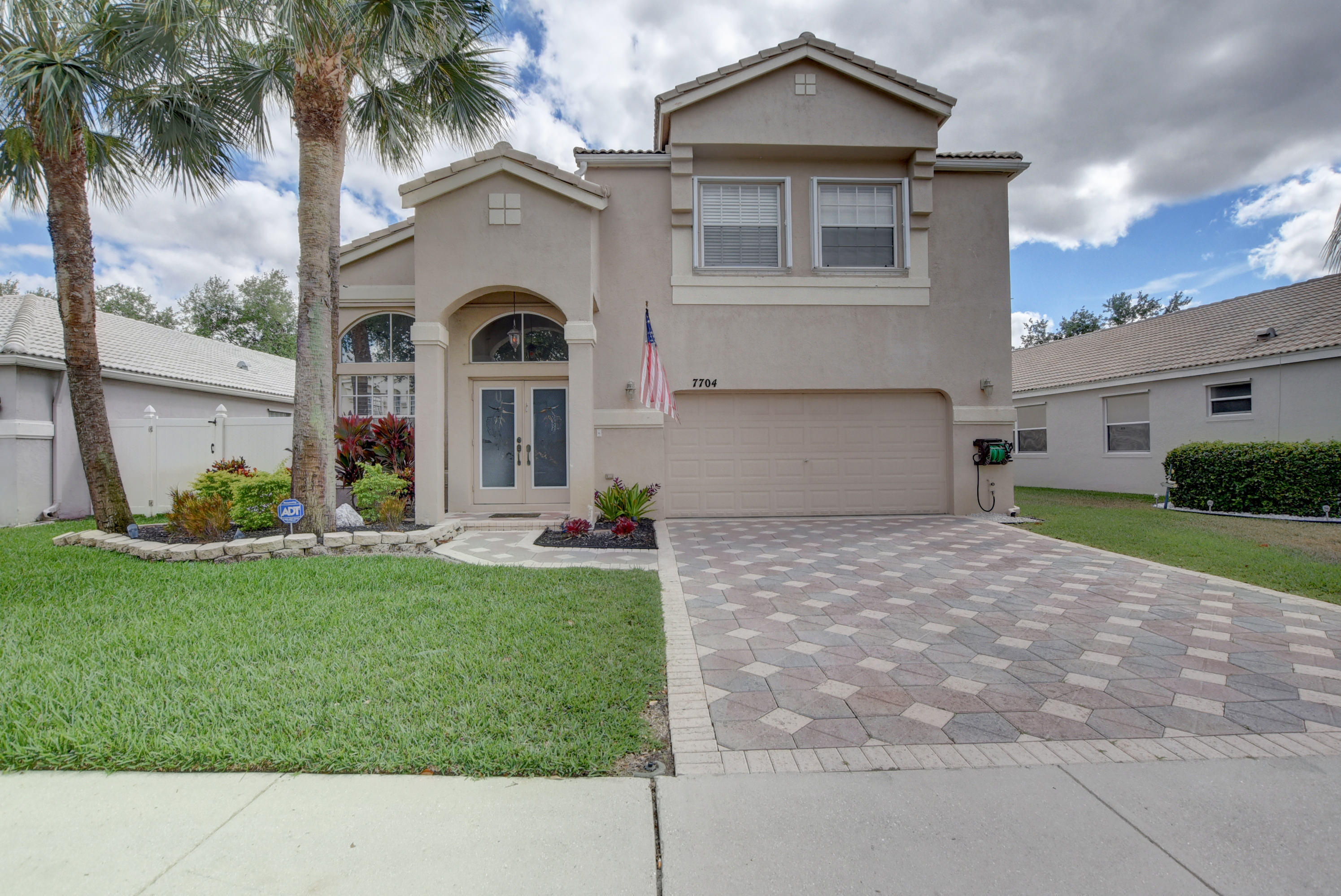 7704 Great Oak Drive Lake Worth, FL 33467