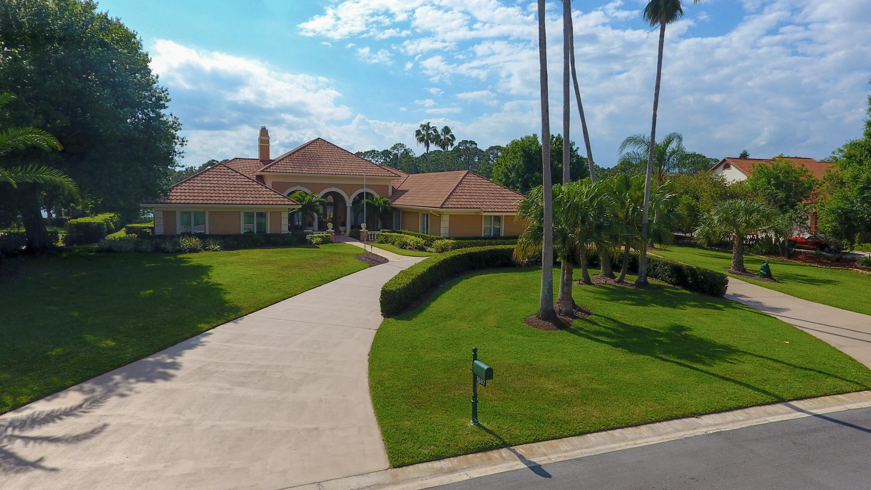 7687  Charleston Way, Port Saint Lucie, Florida