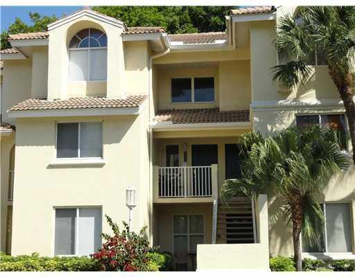22104 Glenmoor Drive West Palm Beach, FL 33409