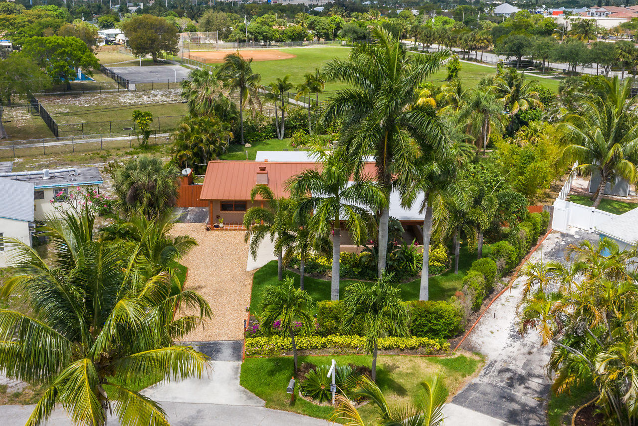 Home for sale in PLUMOSA PARK Delray Beach Florida