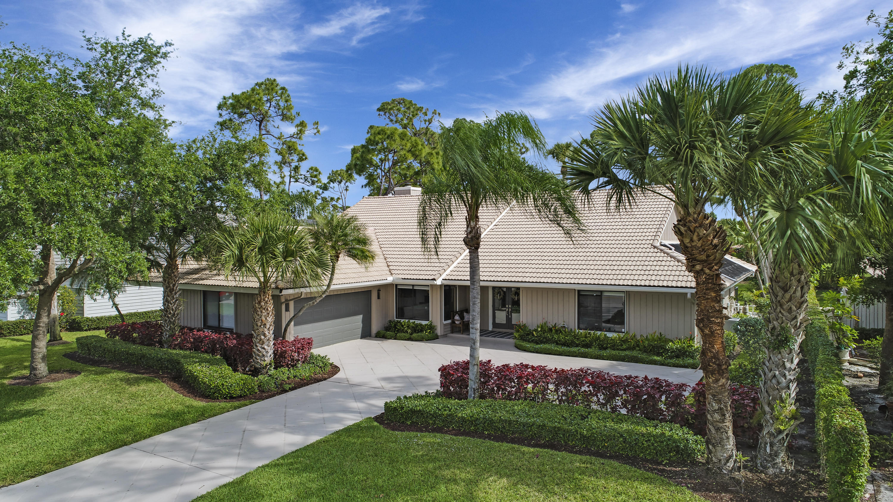 Photo of 21 Rabbits Run, Palm Beach Gardens, FL 33418