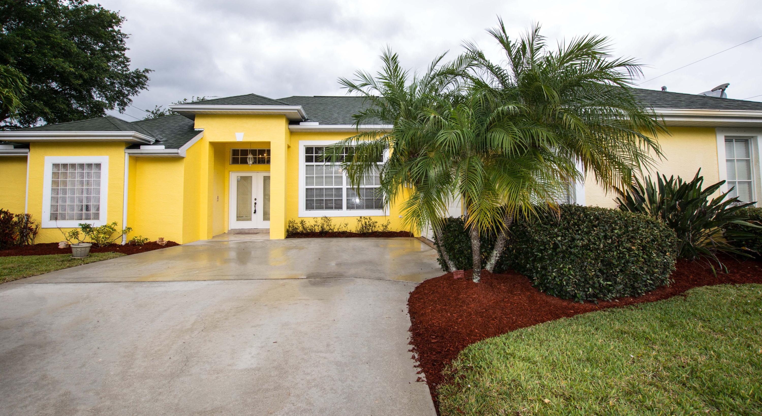 2701 SE Brevard Avenue, Port Saint Lucie, Florida